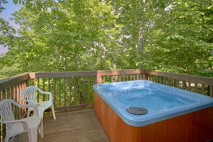 Honeymoon Cabin with Private Hot Tub - Eastern Retreat