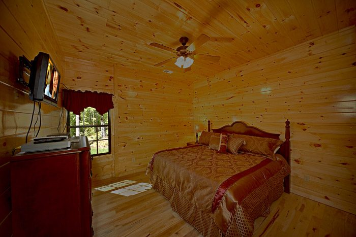 Cabin with King Bed - Easy Like Sunday Morning
