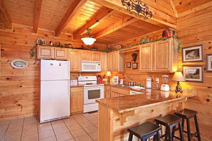 Cabin with Fully Equipped Kitchen - Easy Livin