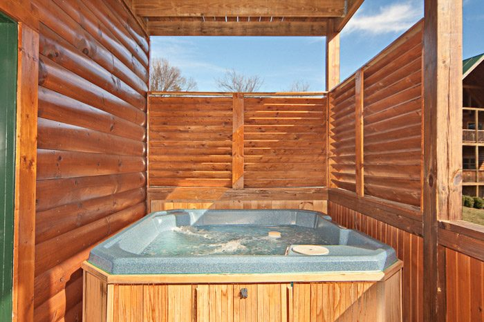 Cabin with Hot Tub with Privacy Walls - Easy Livin
