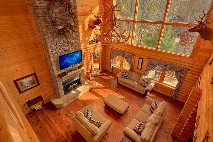 Luxurious 5 bedroom Cabin Sleeps 14 - Elkhorn Lodge