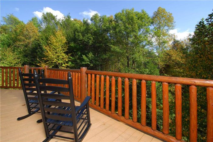 Rocking Chairs with View 5 Bedroom Cabin - Elkhorn Lodge