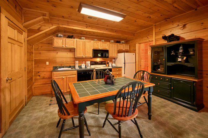 Cabin with full kitchen and fireplace - Enchantment