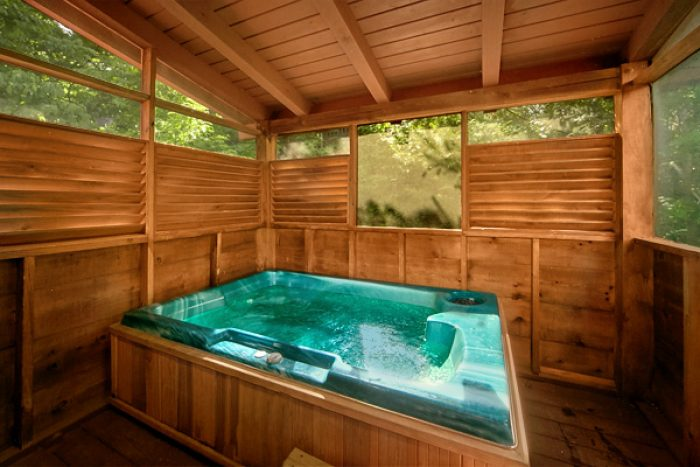 Cabin with hot tub and private deck - Enchantment