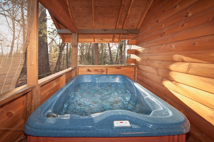 1 Bedroom Pigeon Forge Cabin with Hot Tub - Falling Rock
