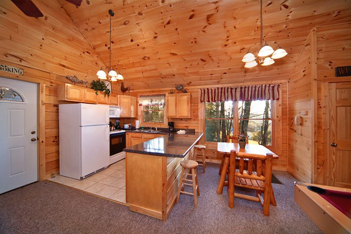 Pigeon Forge Cabin with Fully Furnished Kitchen - Falling Rock