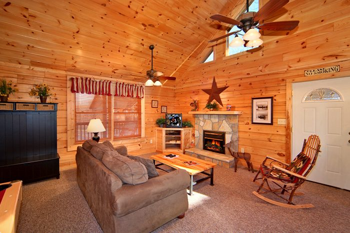 Rustic 1 Bedroom Cabin Rental Fully Furnished - Falling Rock