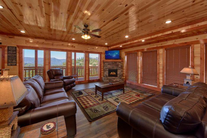 6 Bedroom Pool Cabin Sleeps 14 - Family Fun Pool Lodge 1