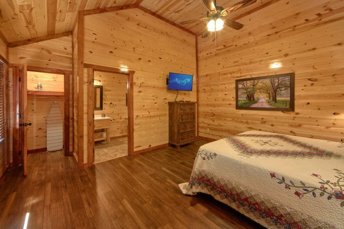 5 King Master Suites 6 Bedroom Cabin - Family Fun Pool Lodge 1