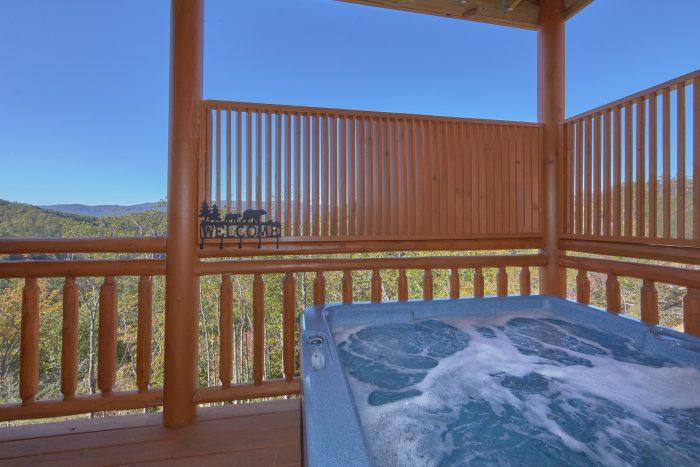 6 Bedroom Pool Cabin with Hot Tub Sleeps 14 - Family Fun Pool Lodge 1