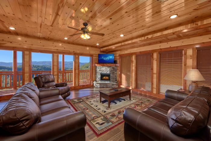 6 Bedroom Smoky Mountain Ridge Sleeps 14 - Family Fun Pool Lodge 2