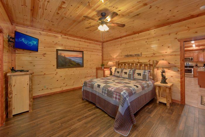 6 Bedroom Cabin Sleeps 14 Main Floor Master - Family Fun Pool Lodge 2