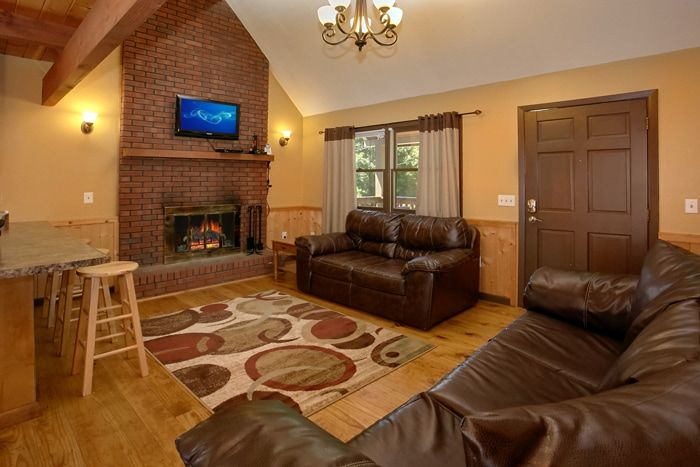 Cabin with Fireplace in Living Room - Family Getaway