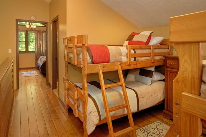 Cabin with 2 Twin Bunk Beds - Family Getaway