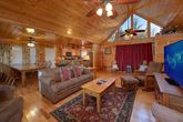 4 Bedroom cabin with spacious living room