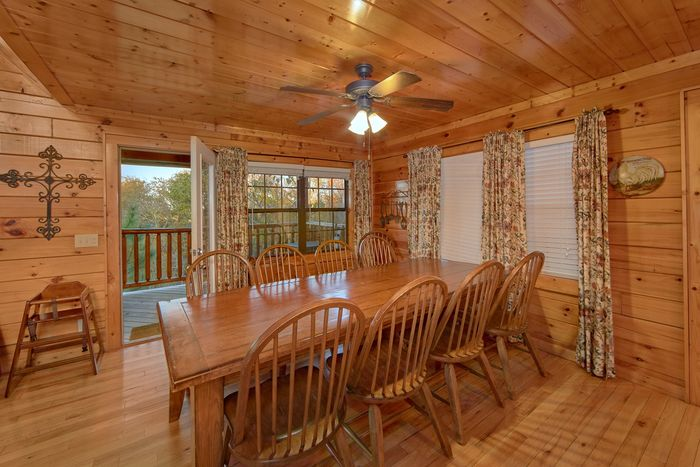 Premium 4 bedroom cabin with Large Dining Room - Fleur De Lis