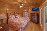 4 Bedroom Cabin with 4 Luxurious King Beds