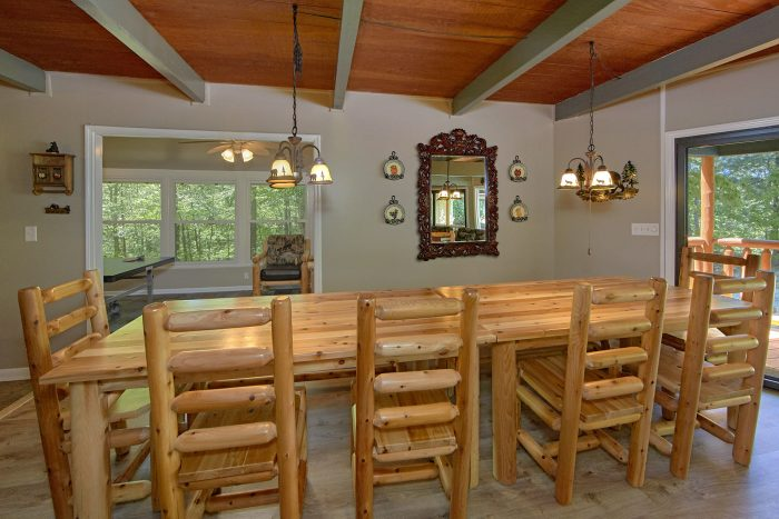3 Bedroom Cabin with Dining Room for 12 - Forever Country