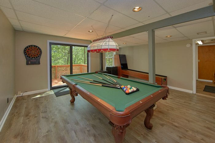 3 Bedroom Cabin with Pool Table in Game Room - Forever Country