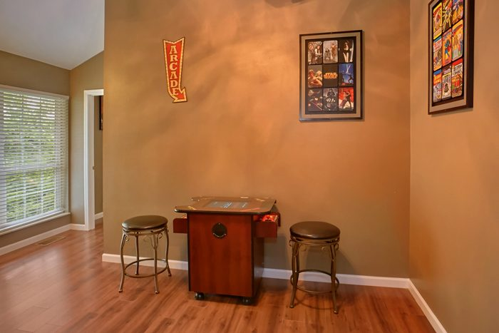 Gatlinburg Cabin with Bunk Beds and Video Games - Gatlinburg Movie Mansion