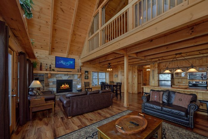 3 Bedroom Cabin with Bar seating and Kitchen - Gatlinburg Splash