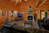 Spacious 3 Bedroom Cabin Sleeps 10 in Gatlinburg