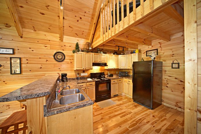 Honey Moon Cabin with Fully Furnished Kitchen - Get-n-Lucky