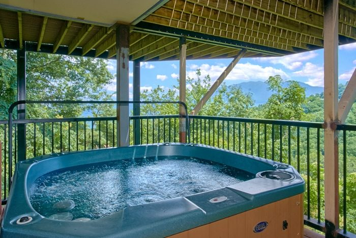 Cabin with Hot Tub overlooking Gatlinburg - Grand Pinnacle
