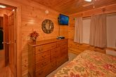 3 level cabin with king beds and elevator