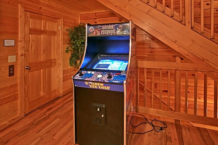 Cabin with multi game arcade - Great Aspirations
