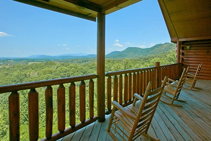 Cabin with mountain views that sleeps 20 - Great Aspirations
