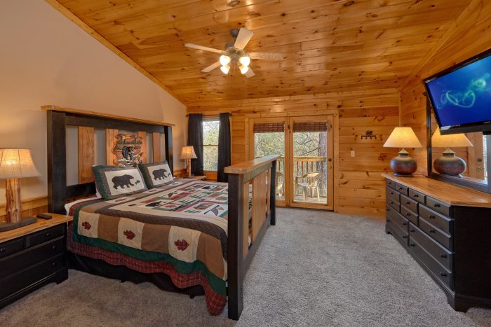 2 Bedroom Cabin Sleeps 9 All Flat Screen TV's - Growly Bear
