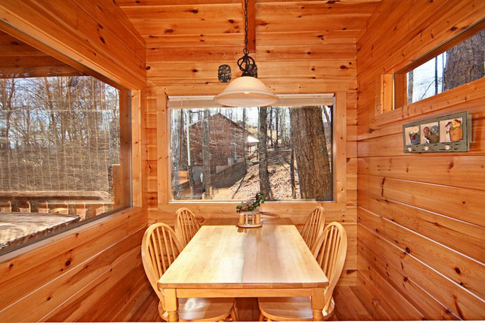 Cabin with Dining Room Table with Views - Happily Ever After