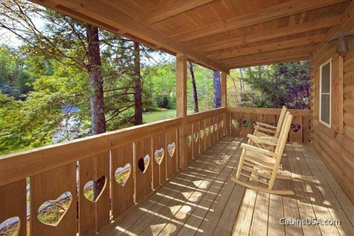 Wears Valley Honey Moon Cabin in the Smokies - Heart to Heart