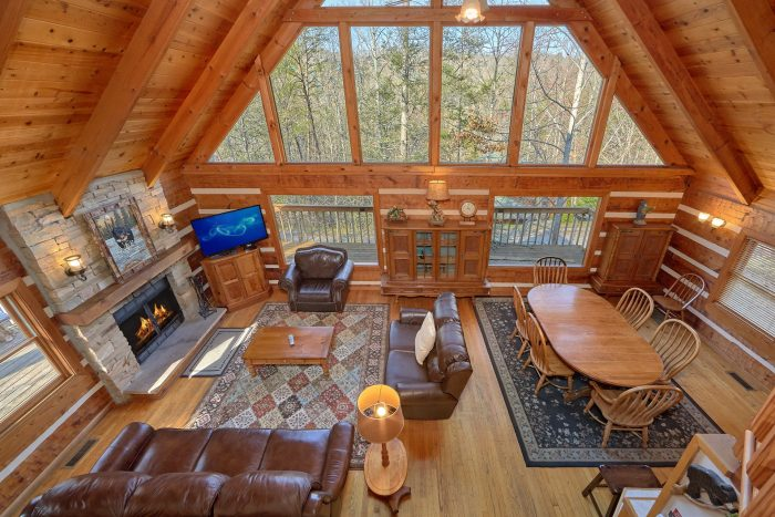 5 Bedroom Cabin with Wood Burning Fireplace. - Hearts Desire