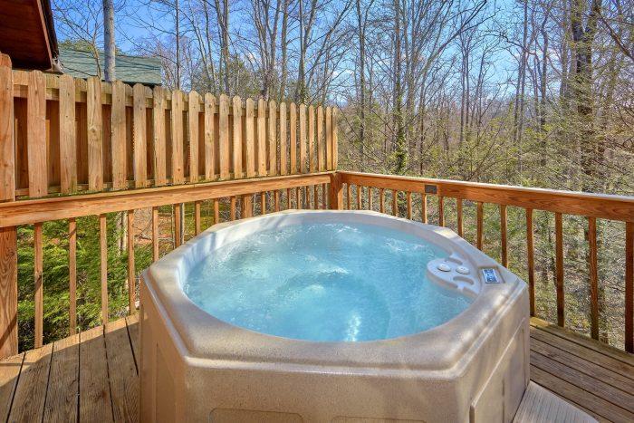 5 Bedroom Cabin Near Gatlinburg with Hot Tub