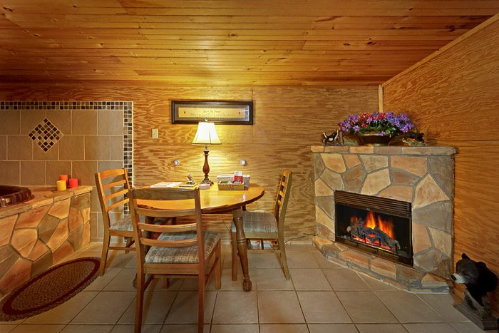 Cabin with Jacuzzi in Fireplace in Gatlinburg - Heavenly Dreams
