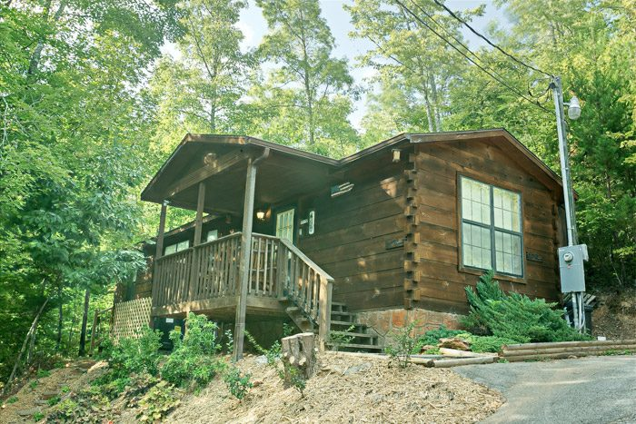 Pet Friendly Cabin in Gatlinburg - Heavenly Dreams