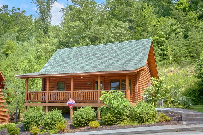 2 Bedroom Cabin in Wears Valley - Heavenly Haven