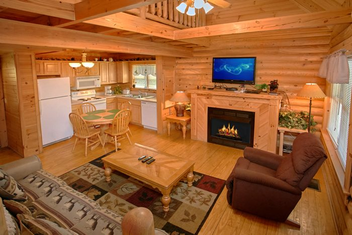 Cabin in Wears Valley that sleeps 6 - Heavenly Haven