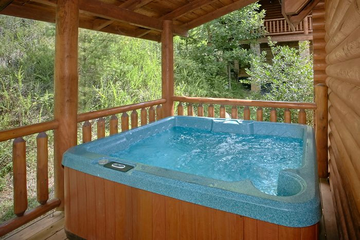 Resort cabin with Private Hot Tub - Heavenly Haven