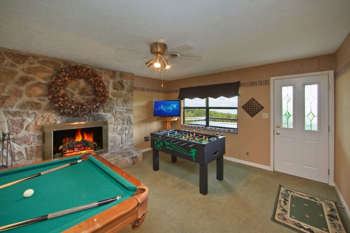 Game Room in Gatlinburg Cabin - Hidden Peaks