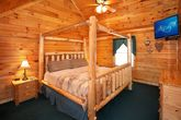 Honey Moon Cabin with a King Suite