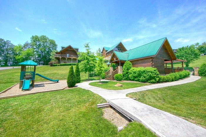 ... Pigeon Forge Cabin That Features A Playground   Hideaway Heart ...