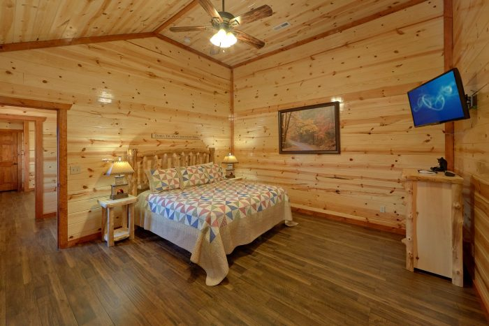 Cabin with a Pool in the Smoky Mountains - High Dive