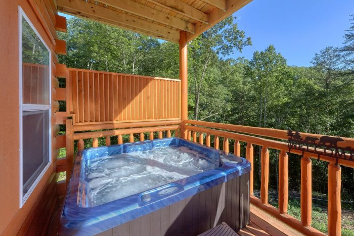6 Bedroom Pool Cabin with a Hot Tub - High Dive