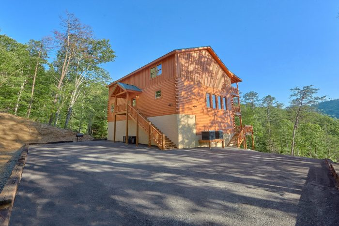 6 Bedroom Pool Cabin in the Smoky Mountains - High Dive