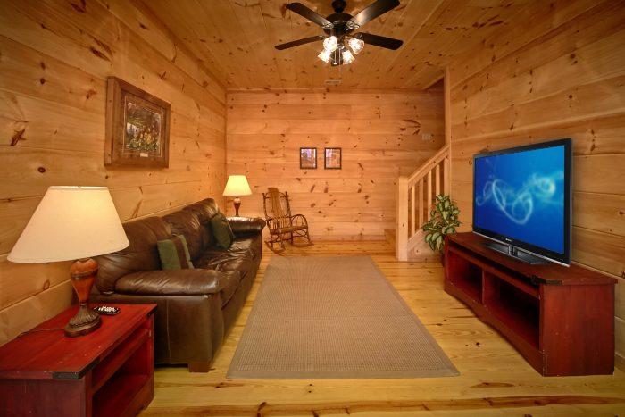 Smoky Mountain Cabin Rental with Family Room - Hillside Haven
