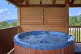 3 Bedroom Cabin with Private hot tub on deck