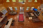 Family Size cabin with Pool table and Fireplace